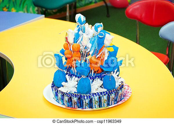 עוגה, יום הולדת, צבעוני - csp11963349