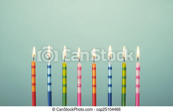 עוגה, נרות, יום הולדת, צבעוני - csp25104466