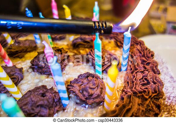 צבעוני, עוגה, נרות, יום הולדת, תאורה - csp30443336